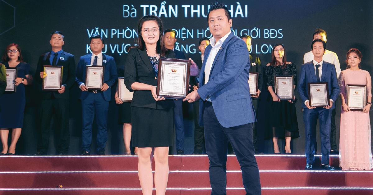Tổng Giám Đốc SC Holding Xuất Sắc Được Vinh Danh Trong Sự Kiện Ngày Hội Môi Giới Bất Động Sản Việt Nam 2019