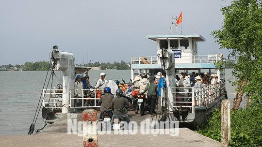 Đấu Giá Khai Thác Bến Khách Ngang Sông Tại Cồn Khương